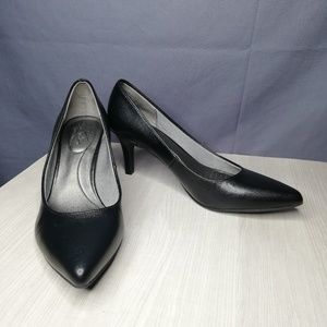 Life Stride Shoes - Lifestride Soft System black pointed toe pumps